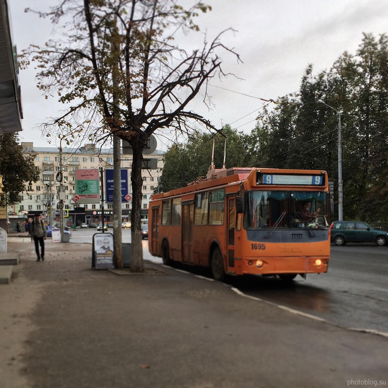 Старый троллейбус на площади Горького, Нижний Новгород